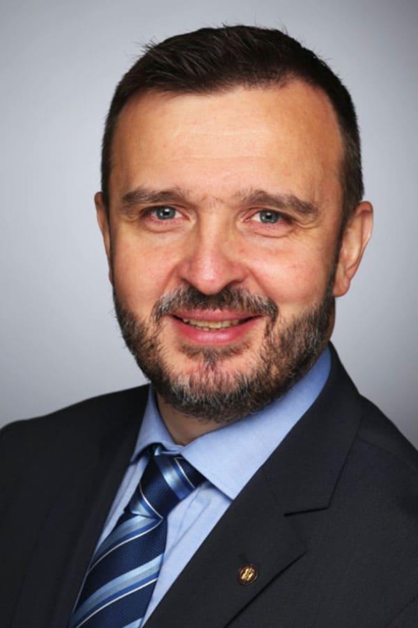 Konsiliartierarzt Diplomate ECVS  EBVS® European Specialist in Small Animal Surgery  Europäischer Facharzt für Kleintierchirurgie  www.vetchirurgie.at